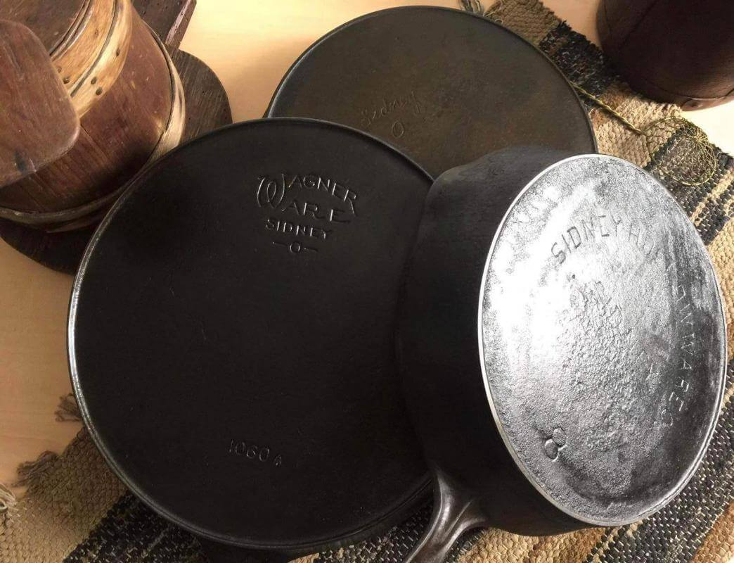 Wager Ware Sidney O skillet and two Sidney hollow ware skillets