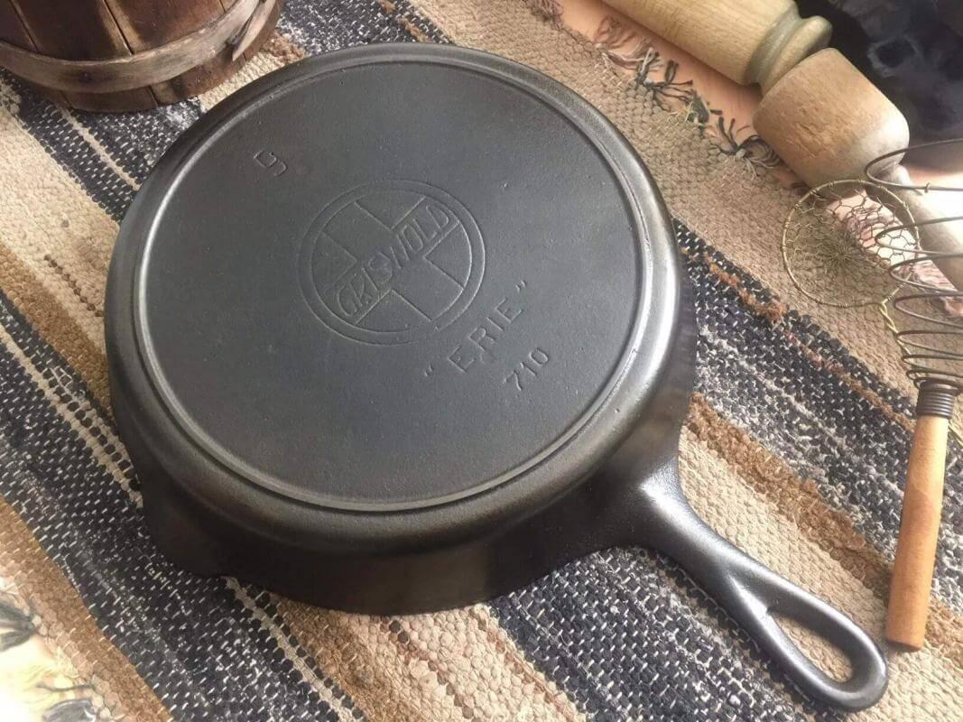 Griswold cast iron skillet 710 number #9 skillet with slant logo.