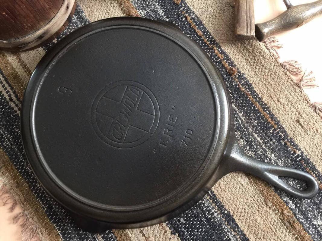 Griswold skillet with slant logo. Slant logo without the EPU markings.