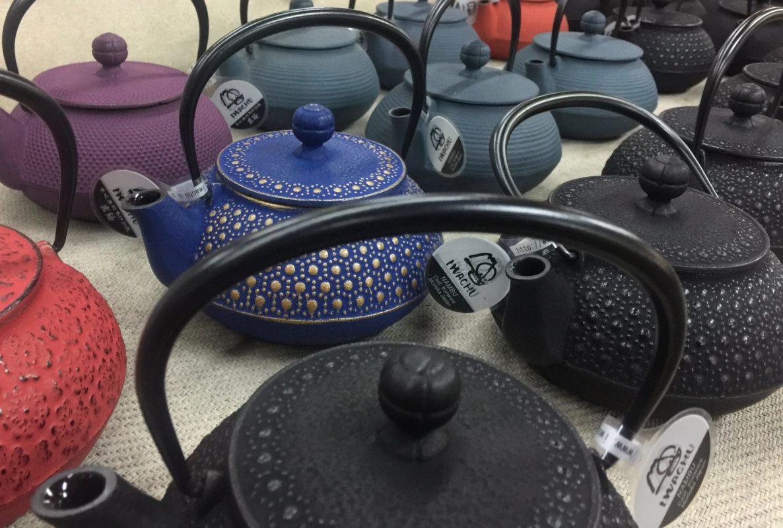 Iwachu teapot (Honeycomb pattern)