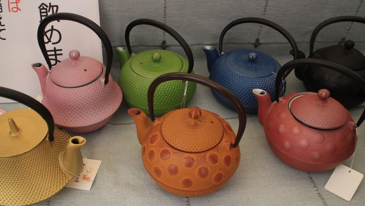 Japanese-cast-iron-teapots-on-display