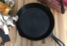 Antique cast iron skillet called The Favorite by Columbus Hollow Ware Company